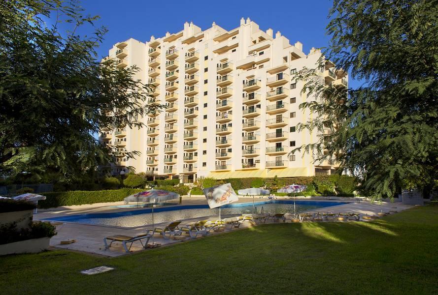 Holidays at Club Amarilis Apartments in Praia da Rocha, Algarve