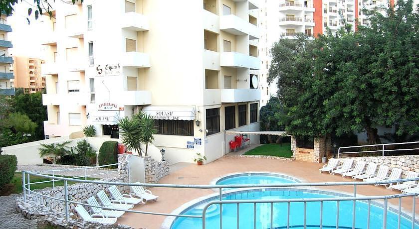 Holidays at Squash Club Apartments in Praia da Rocha, Algarve