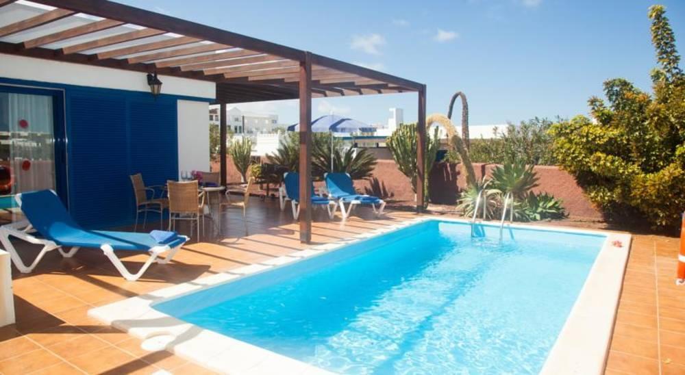 Holidays at Las Marinas Villas in Playa Blanca, Lanzarote