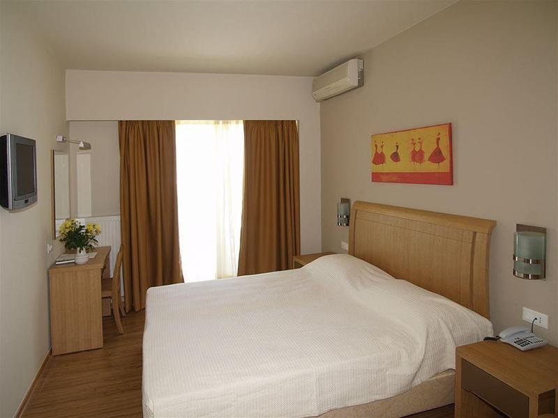 Holidays at Sgouros Hotel in Aghios Nikolaos, Crete