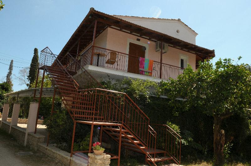 Holidays at Konstantinos Apartments in Ipsos, Corfu