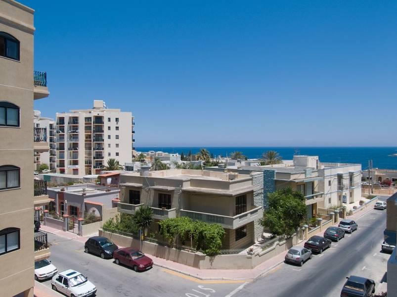 Holidays at Cardor Holiday Complex in Qawra, Malta