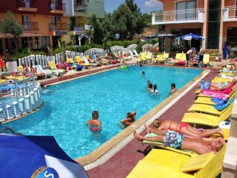 Holidays at Mutlu Apartments in Altinkum, Bodrum Region