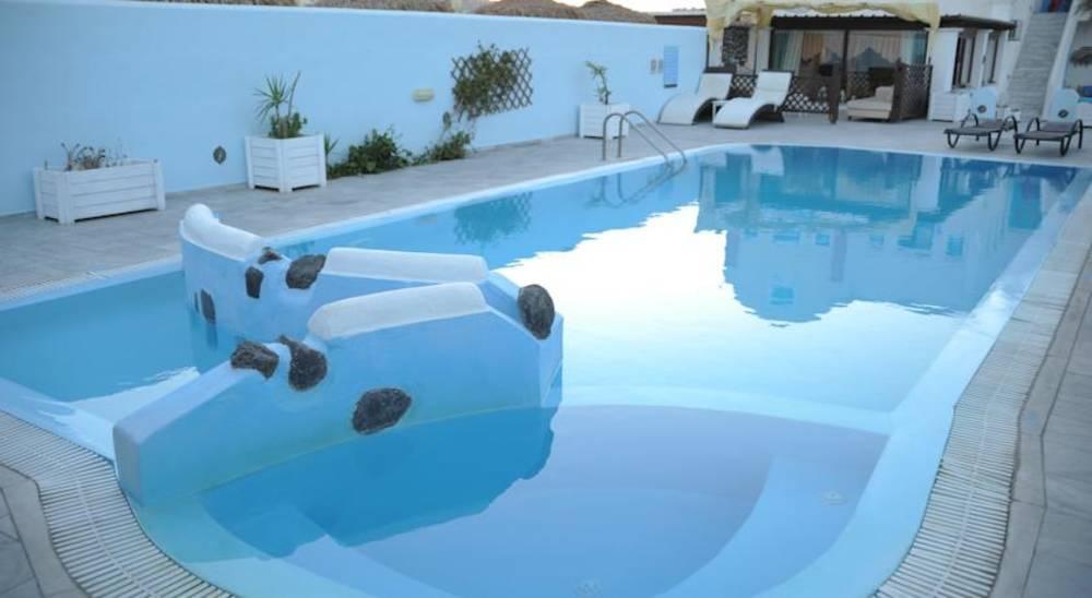 Holidays at Perissa Bay Hotel in Perissa, Santorini