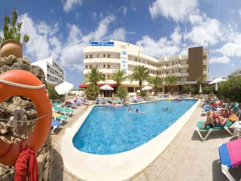 Holidays at Bahia De San Antonio Apartments in Cala de Bou, San Antonio Bay