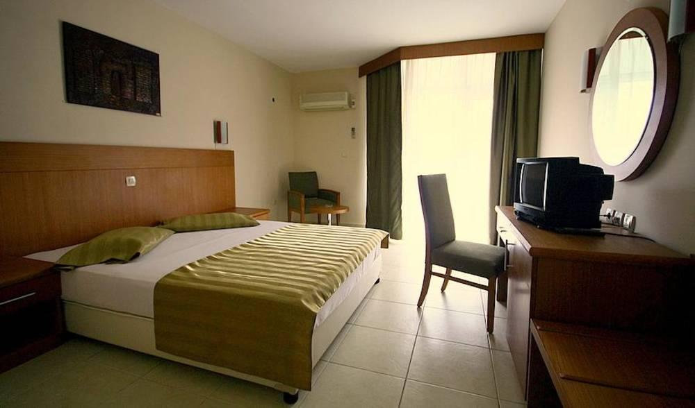 Holidays at Surtel Hotel in Kusadasi, Bodrum Region