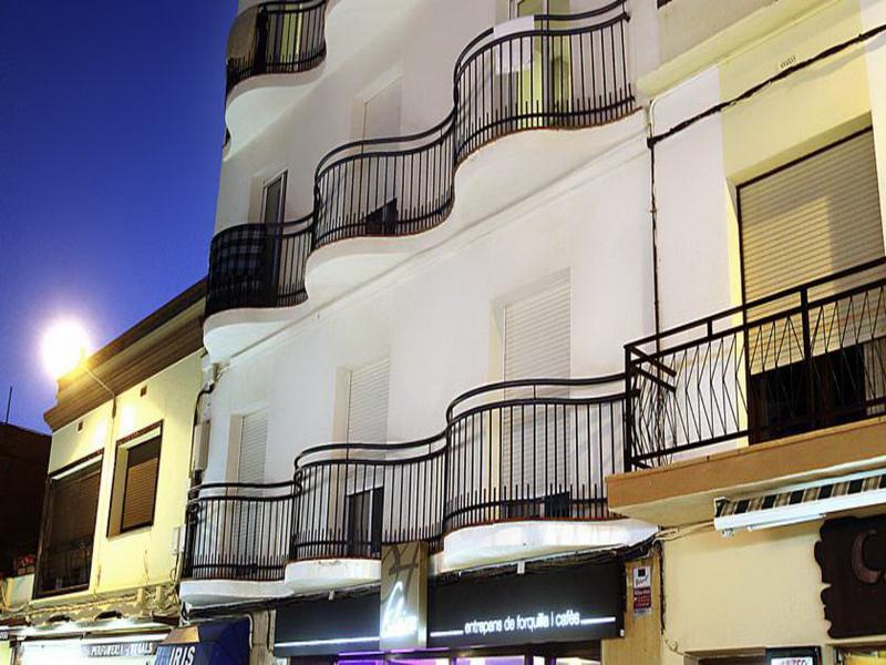 Holidays at Iris Apartments in Malgrat de Mar, Costa Brava