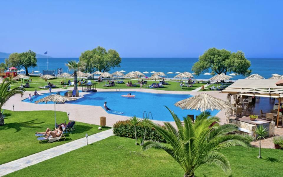 Holidays at Geraniotis Beach Hotel in Platanias Chania, Chania
