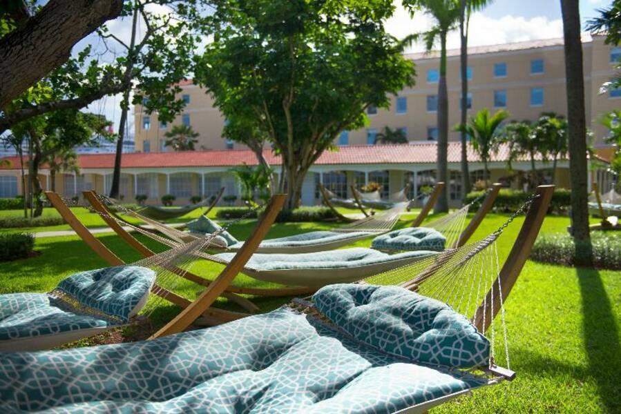 British Colonial Hilton Hotel Nassau Bahamas Book