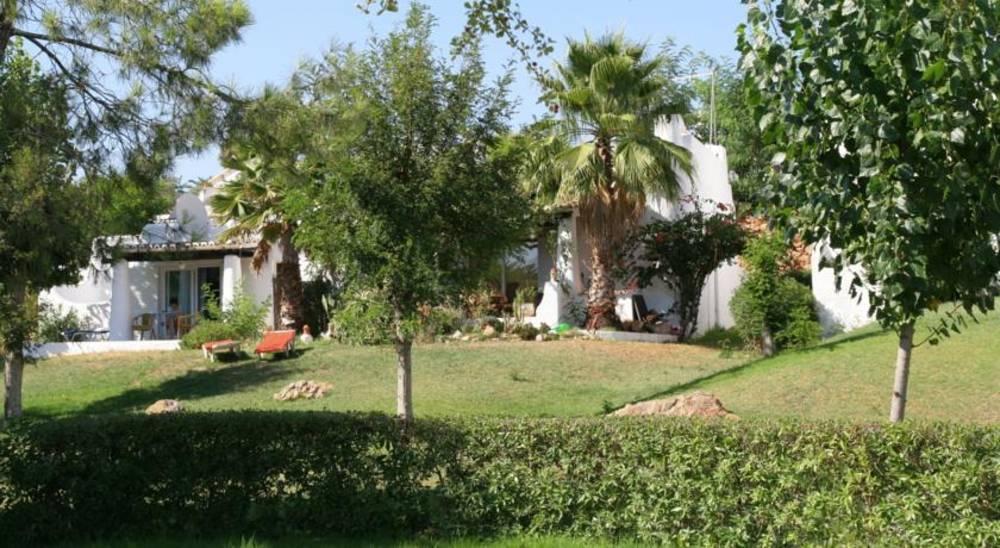 Holidays at Quinta Do Paraiso Apartments in Carvoeiro, Algarve