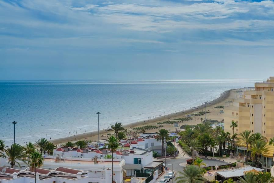 Holidays at Las Arenas Apartments in Playa del Ingles, Gran Canaria