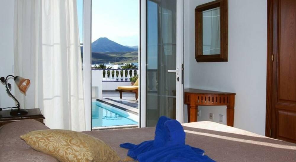Holidays at Villas Del Mar in Puerto Calero, Lanzarote