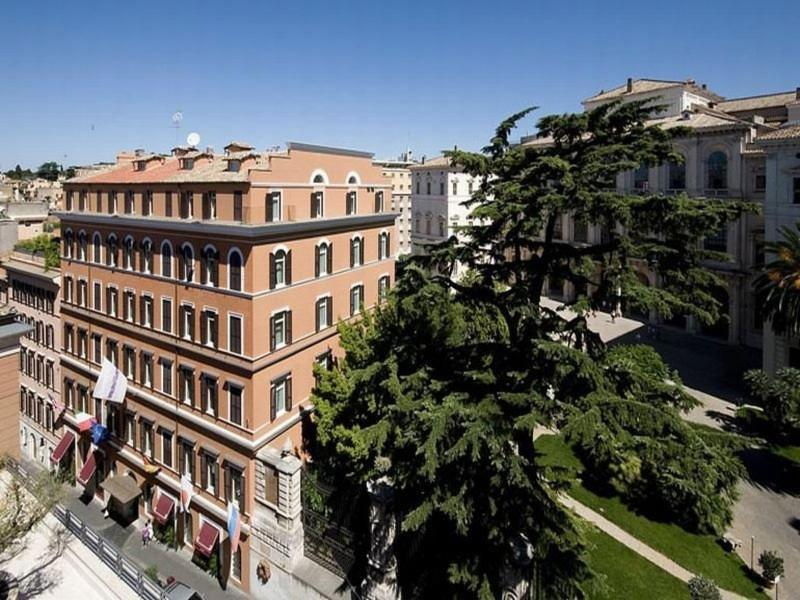 Holidays at Anglo Americano Hotel in Rome, Italy