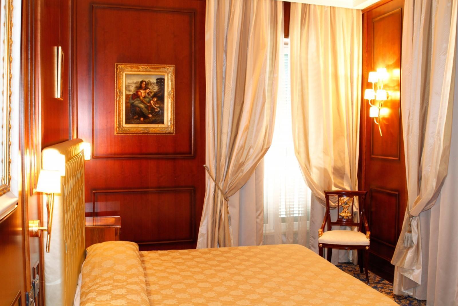 Boutique hotel trevi rome italy book boutique hotel for Boutique hotels italy