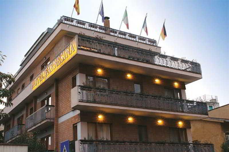 Holidays at Farnesina Hotel in Rome, Italy