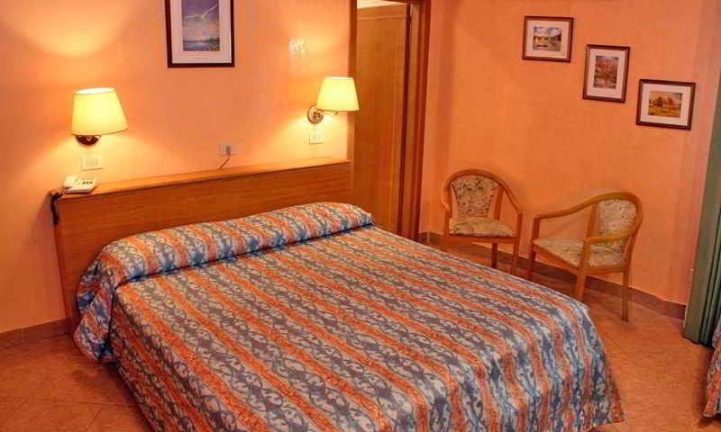 Holidays at Patria Hotel in Rome, Italy