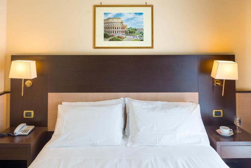 Porta maggiore hotel rome italy book porta maggiore - Rome porta maggiore ...