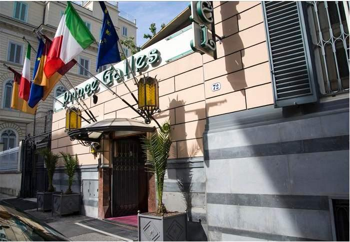 Holidays at Prince Galles Hotel in Rome, Italy