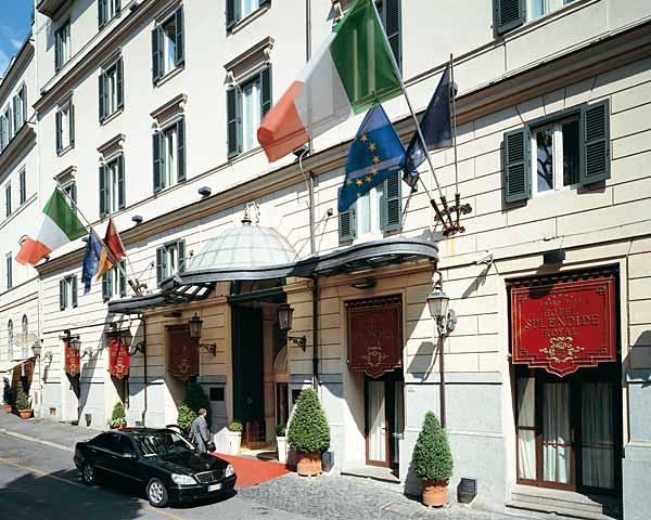 Holidays at Splendide Royal Hotel in Rome, Italy
