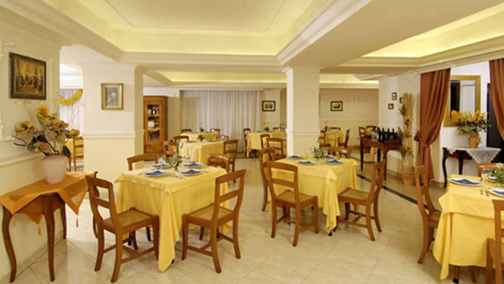 Holidays at Club House Hotel Rome in Rome, Italy