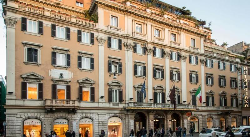 Holidays at Grand Hotel Plaza in Rome, Italy