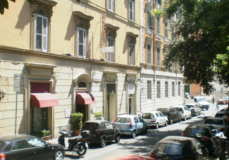 Holidays at Mariano Hotel in Rome, Italy