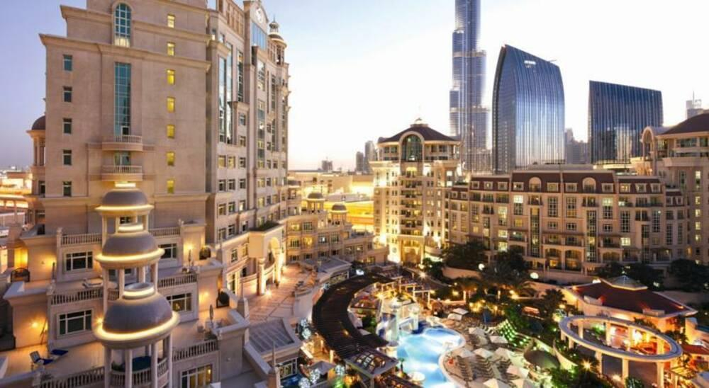 Holidays at Al Murooj Rotana Hotel in Sheikh Zayed Road, Dubai