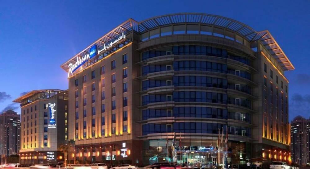 Holidays at Radisson Blu Dubai Media City Hotel in Palm Island Jumeirah, Dubai