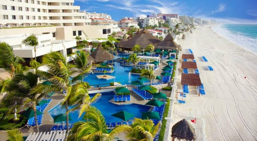 Holidays at Royal Solaris Cancun Hotel in Cancun, Mexico
