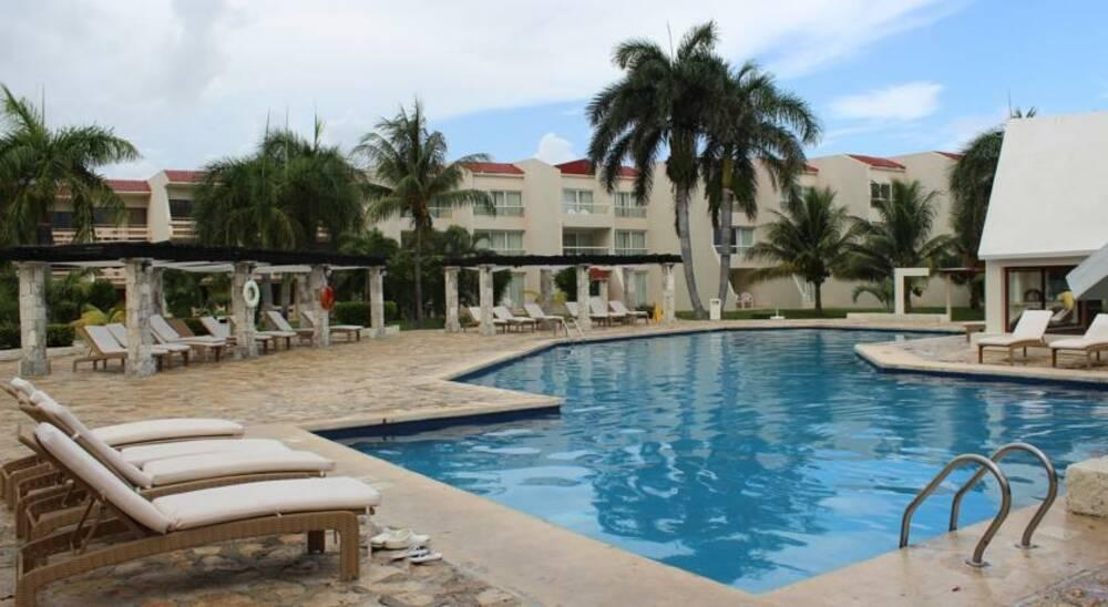 Holidays at Ocean Spa Hotel in Cancun, Mexico