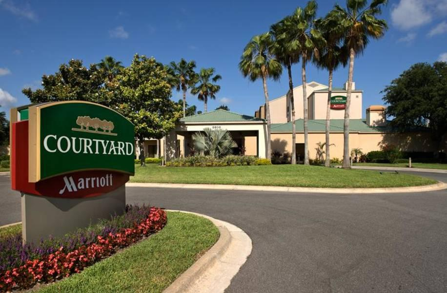Holidays at Courtyard By Marriott Convention Center Hotel in Orlando International Drive, Florida