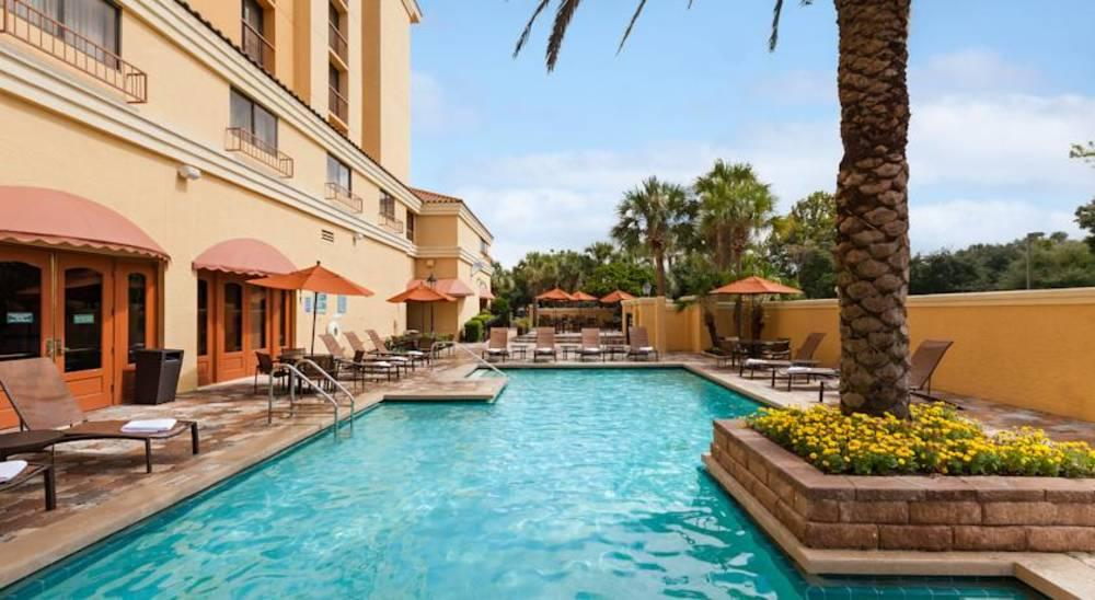 Holidays at Embassy Suites International Drive South - Convention in Orlando International Drive, Florida