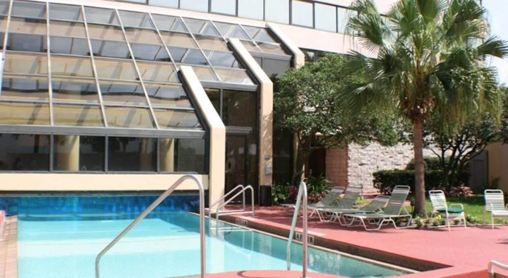 Holidays at Embassy Suites Jamaican Court Hotel in Orlando International Drive, Florida