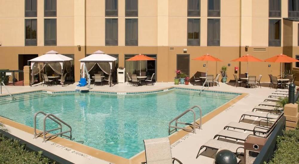 Holidays at Hampton Inn South Of Universal Hotel in Orlando International Drive, Florida