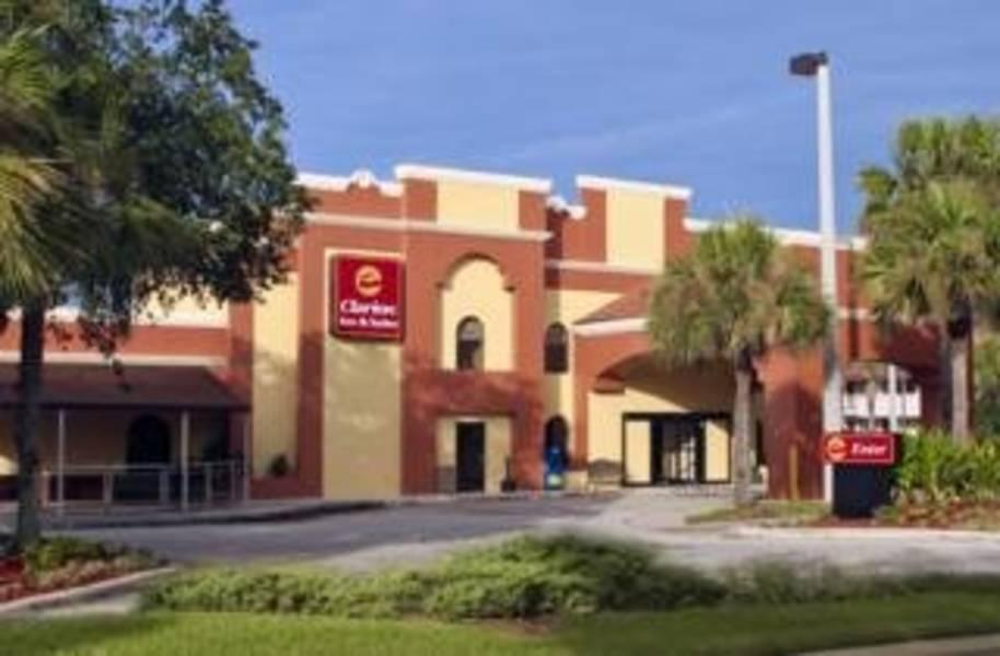 Holidays at Clarion Inn & Suites at International Drive in Orlando International Drive, Florida
