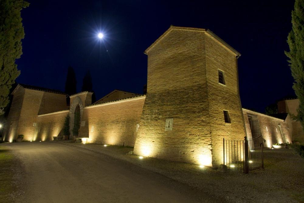 Holidays at Castello Di Leonina Hotel in Siena, Tuscany