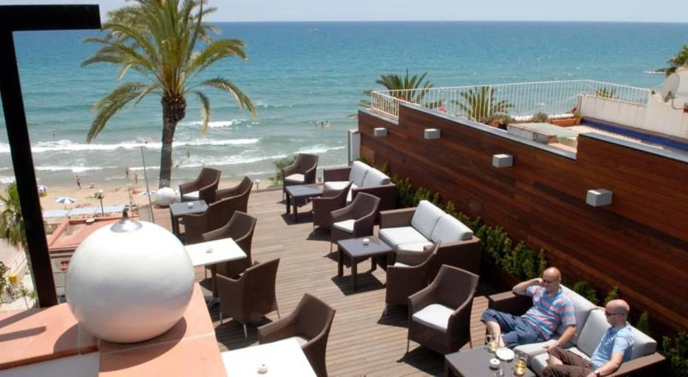 Holidays at Platjador Hotel in Sitges, Costa Dorada