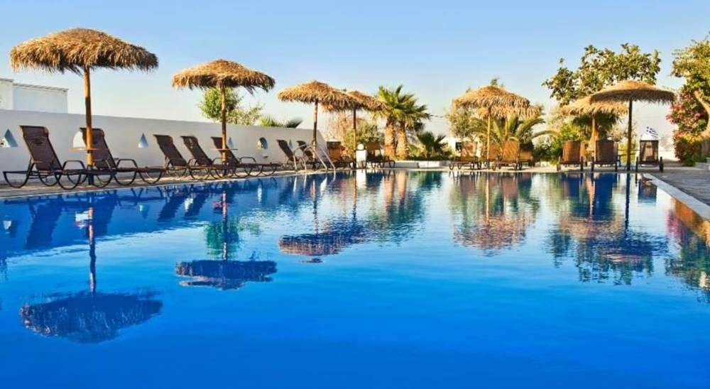 Holidays at Alexandra Aparthotel in Kamari, Santorini
