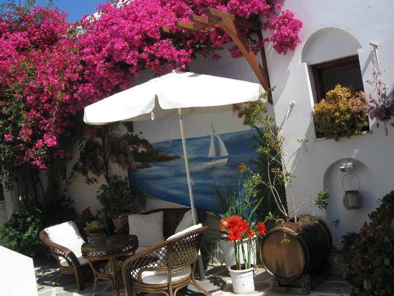 Holidays at Batistas Apartments in Naoussa, Paros