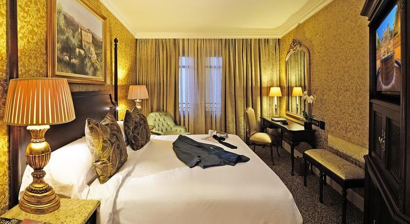 Intercontinental palazzo monte casino room images james bond casino royal quotes