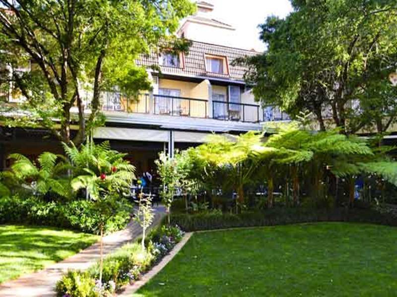 Holidays at Protea Balalaika Sandton Hotel in Johannesburg, South Africa