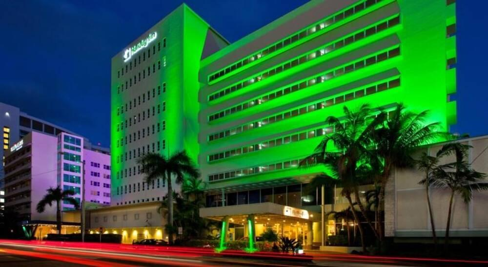 Holidays at Holiday Inn Miami Beach Hotel in Miami Beach, Miami