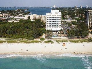 Holidays at Howard Johnson Plaza North Miami Beach in Miami Beach, Florida