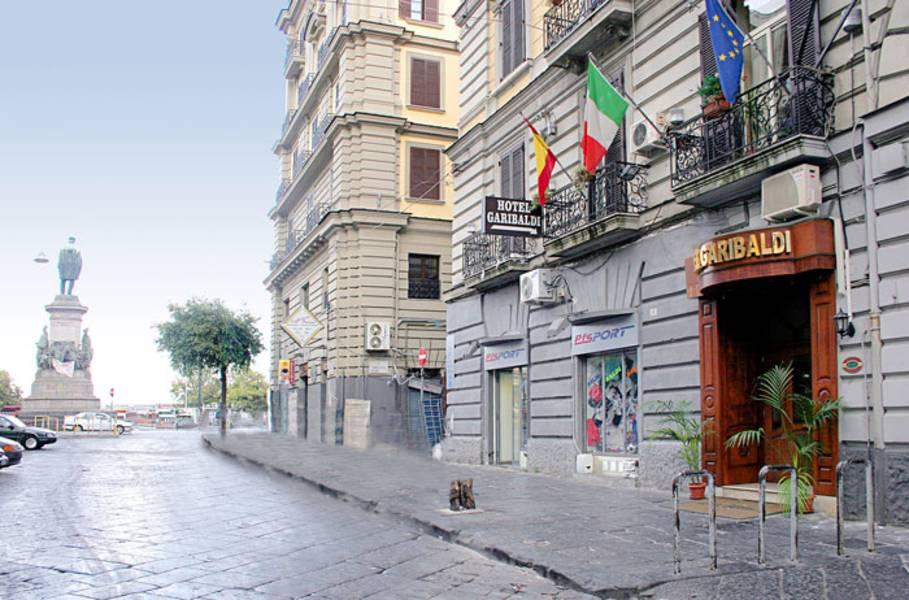 Holidays at Garibaldi Hotel in Naples, Italy