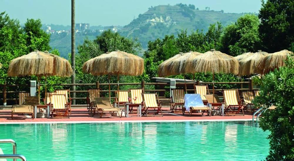 Holidays at Montespina Park Hotel in Naples, Italy