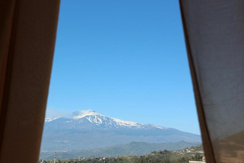 Holidays at Elios Hotel in Taormina, Sicily