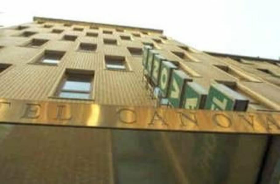 Holidays at Canova Hotel in Milan, Italy