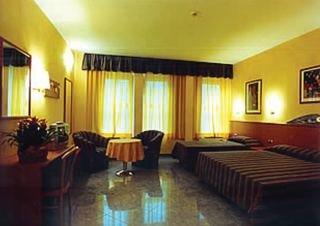 Holidays at Gonzaga Hotel in Milan, Italy
