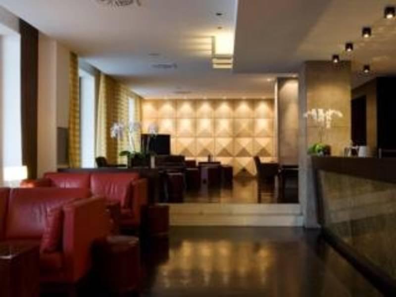 Holidays at NH Milano Touring Hotel in Milan, Italy