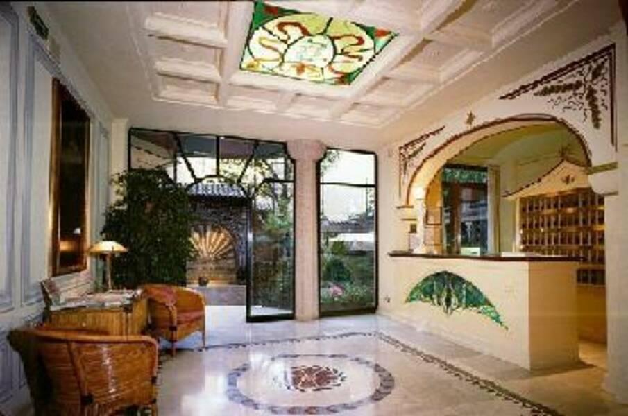 Regency Milan Hotel